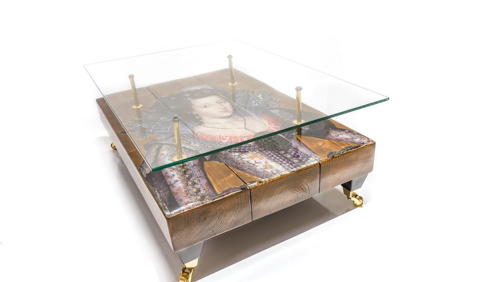 Queen Table - 72ppi-3.jpg