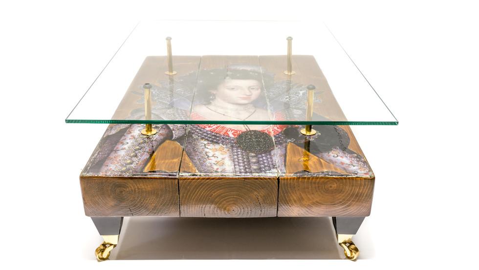 Queen Table - 72ppi-2.jpg