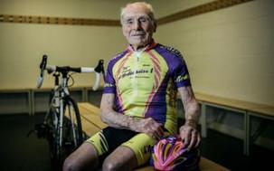 Aos 106 anos de idade, Robert Marchand pendura as sapatilhas