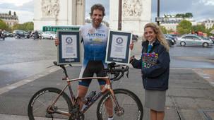Britânico dá volta ao mundo de bike em 79 dias e quebra recorde
