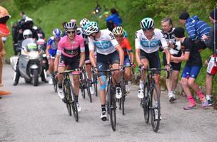 No Giro de Itália, Froome Renasce Com Vitória No Topo Do Zoncolan