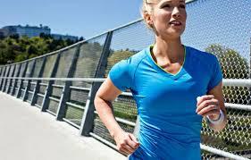 Mulheres que se exercitam com regularidade sentem menos efeitos do ciclo menstrual