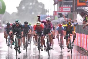 Quatro Vitórias Para Elia Viviani No Giro de Itália