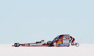 Norte-americana estabelece recorde mundial de velocidade a 296km/h
