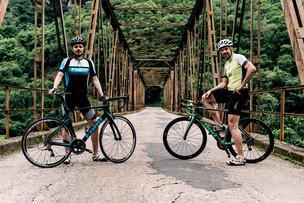 Dois caras comuns em um desafio sobre-humano: atravessar os Estados Unidos de bicicleta