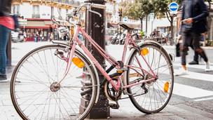 A cidade que dá cerveja e sorvete grátis a quem usa bicicleta ou transporte público