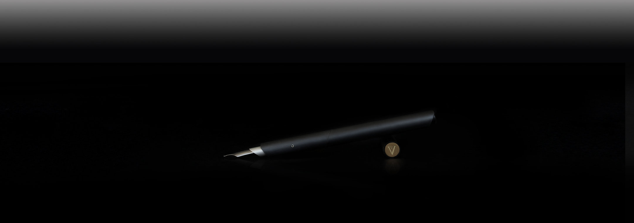 linear carbon fiber fountain pen with converter filler or built in piston filler mechanism titanium gold nibs