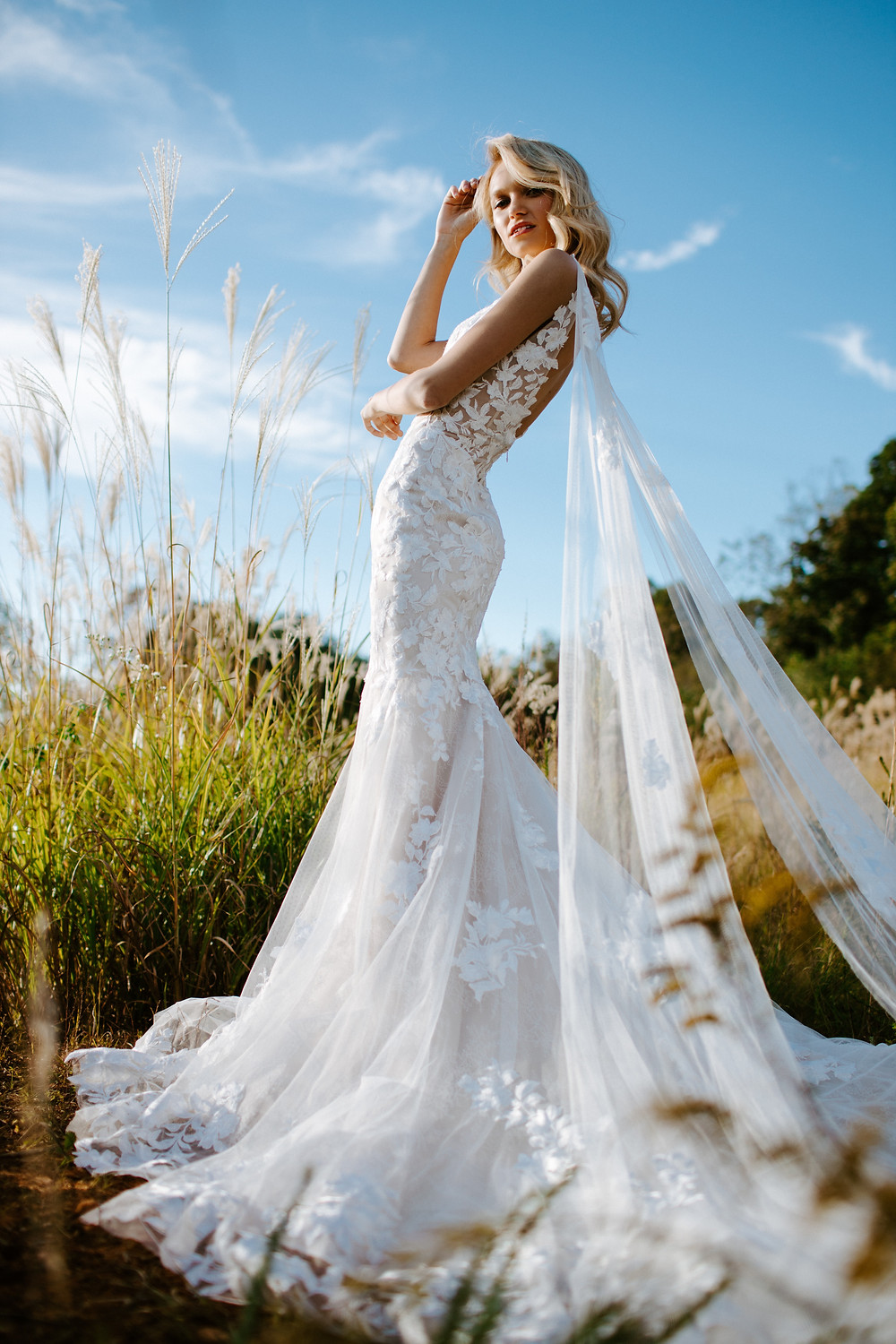 Pros and Cons of Renting Your Wedding Dress
