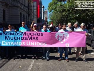 Millones de personas se manifiestan contra la imposición de la ideología de género en latinoamérica