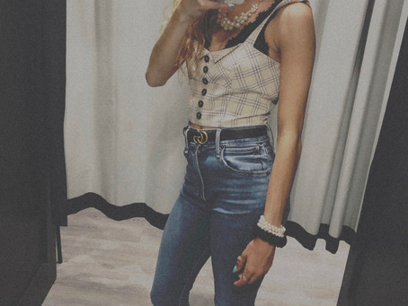 Why the flare jeans are PERFECT for petite girls