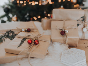 HOLIDAY GIFT GUIDE by AESTHETIC