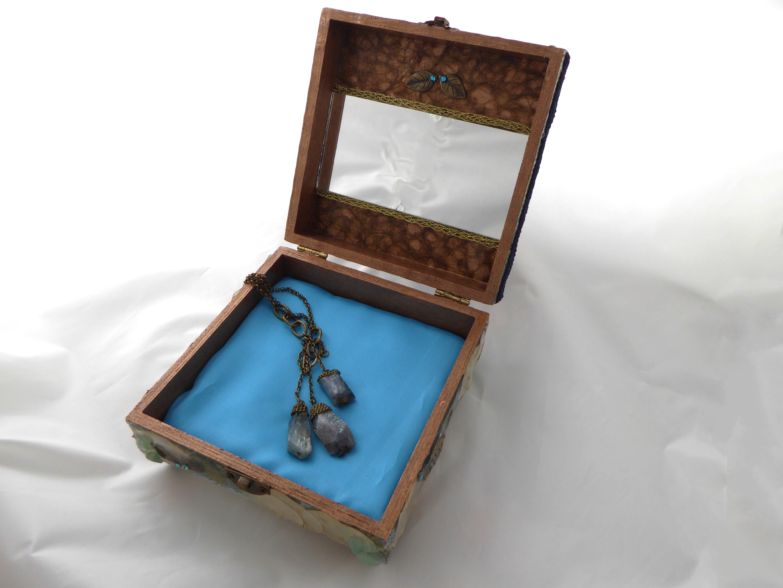 Jewelry Box - Arbutus Tree design