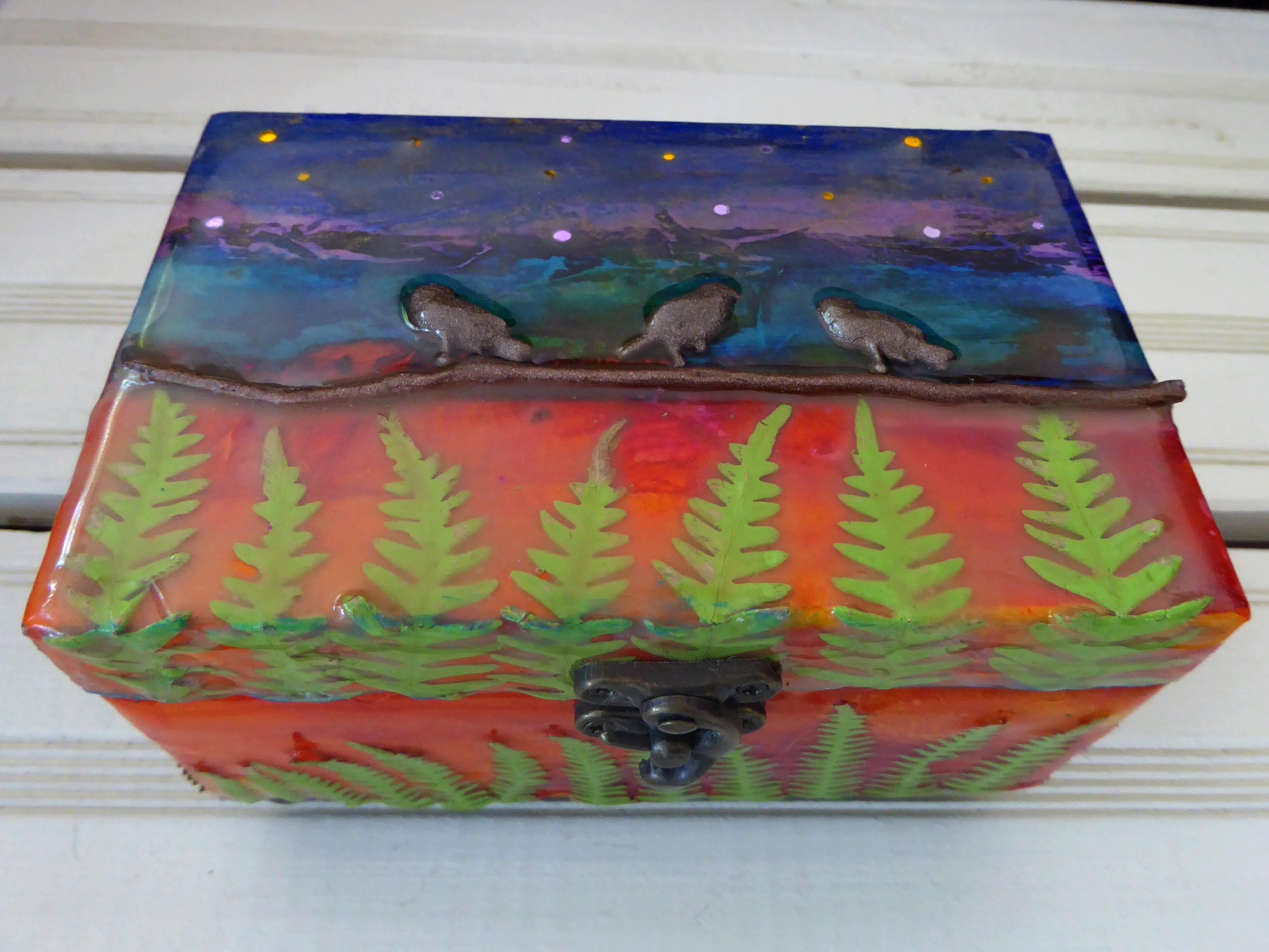 Perched birds decorative box