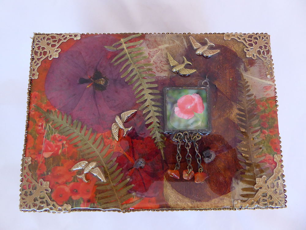 Poppy Jewelry Box - top