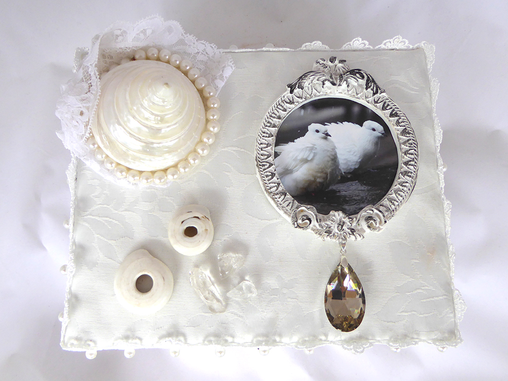 Shell & Dove Jewelry Box – Top View