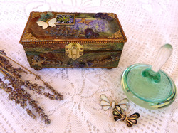 Lavender Jewelry Box – in setting