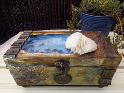 Sea and sky decorative box