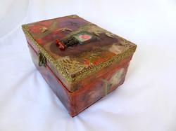 Poppy Jewelry Box - side