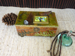 Dragonfly Jewelry Box – in setting