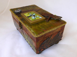 Dragonfly Jewelry Box – Side view