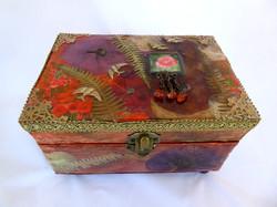 Poppy Jewelry Box