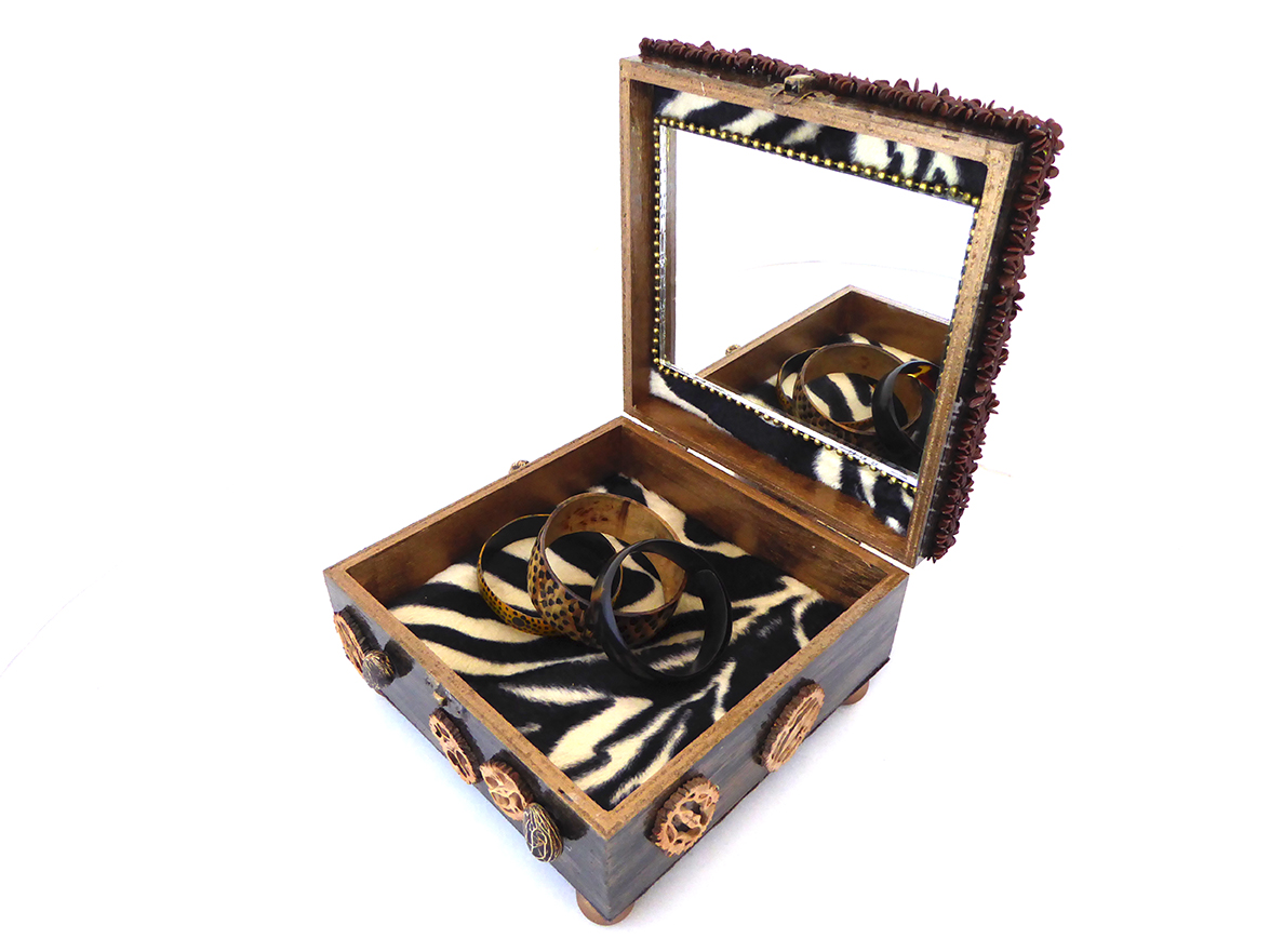 African Safari Jewelry Box –Interior