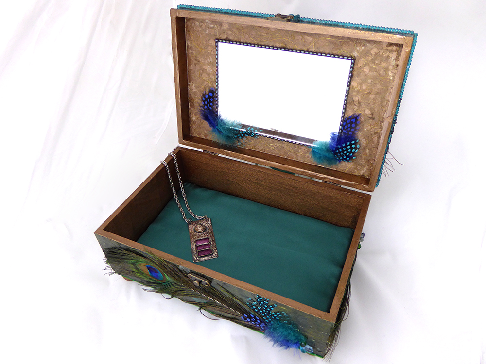 Peacock Jewelry Box – interior
