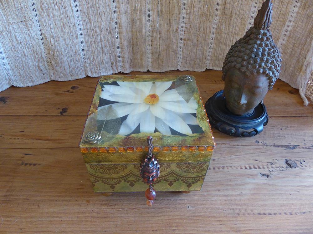 Lotus flower decorative box
