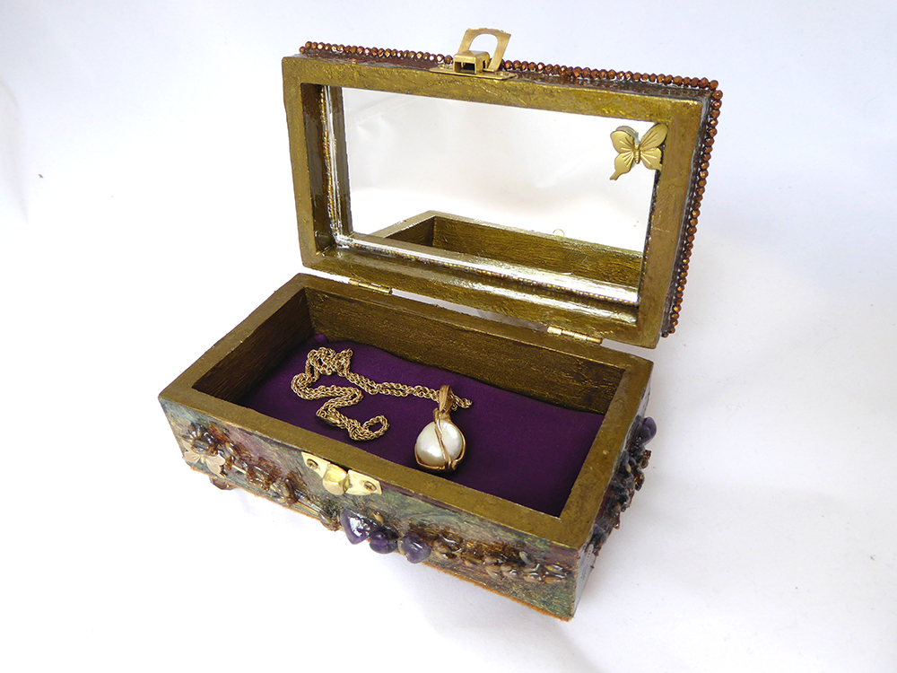 Dove Jewelry Box – Interior