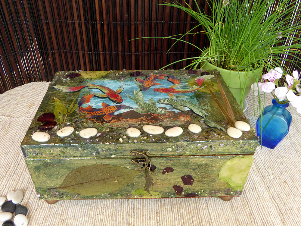 Koi/Fish Jewelry Box – in setting