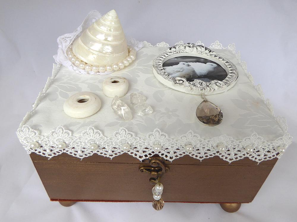 Jewelry Box - Dove & Shell design