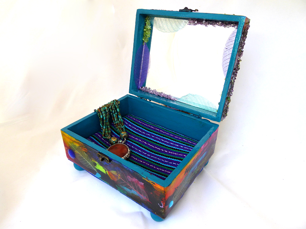 Bluebird Jewelry Box – Interior