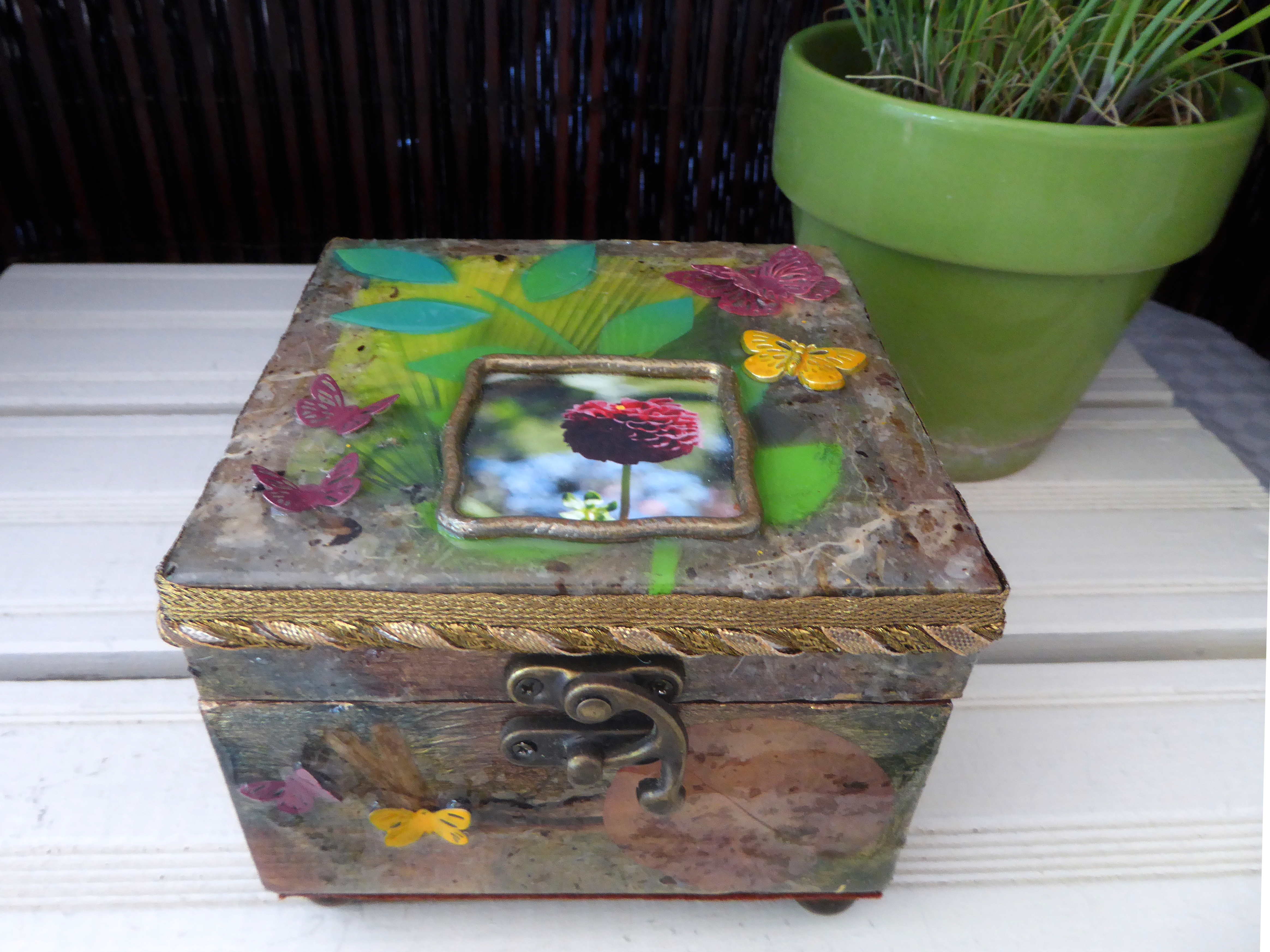 Botanical gardens decorative box