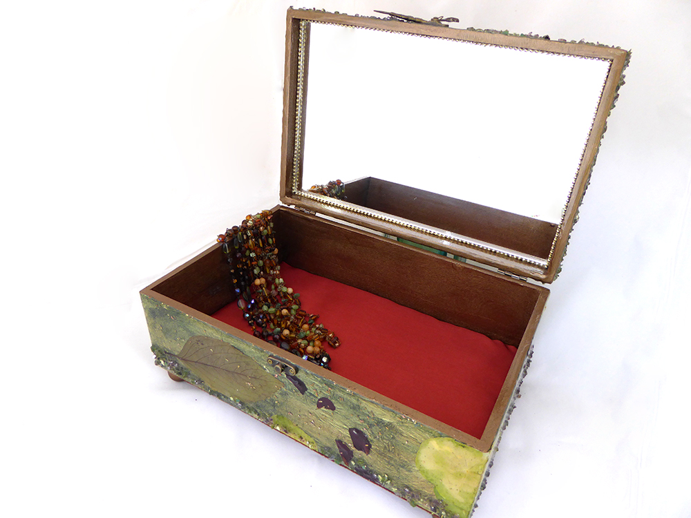Koi/Fish Jewelry Box – Interior