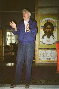 Жан Ванье в храме Косьмы и Дамиана (Начало 1990-х)