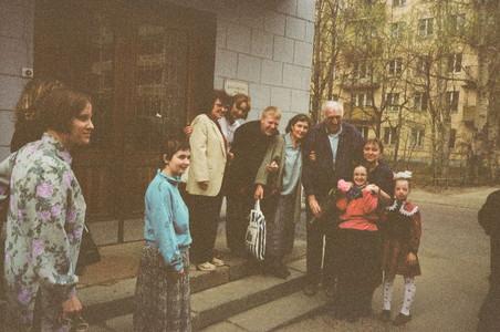 """Жан с первыми участниками """"Веры и Свет"""" в России"""