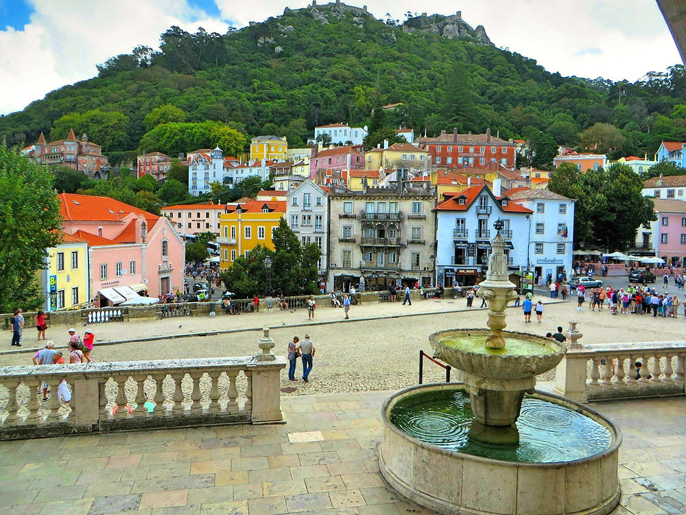 Colorful buildings in Sintra, Portugal!