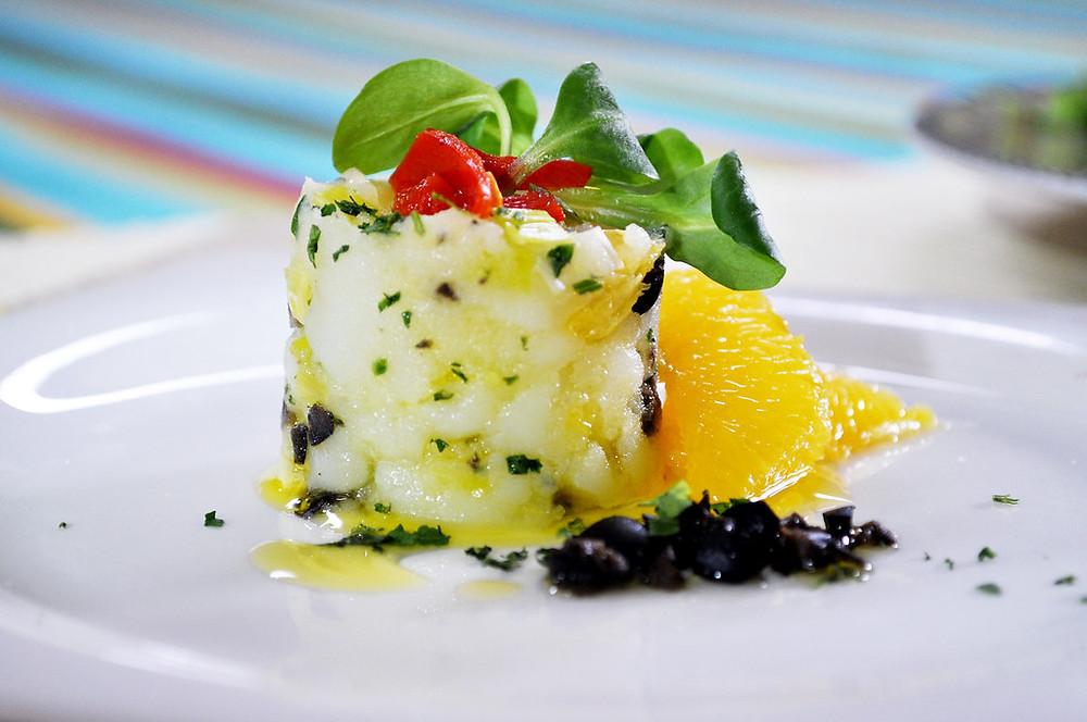 A serving a tasty Spanish treat of Ensalada Malagueña