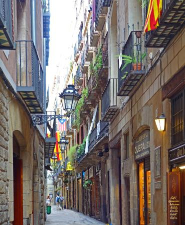A view of the narrow Carrer Petritxol in Barcelona