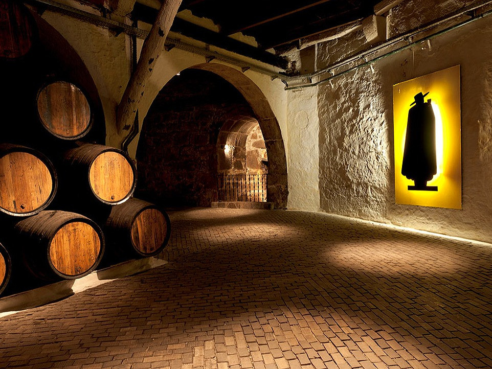 Image of one of the wineries in Porto
