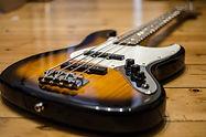 bass-guitar-913092_1920.jpg