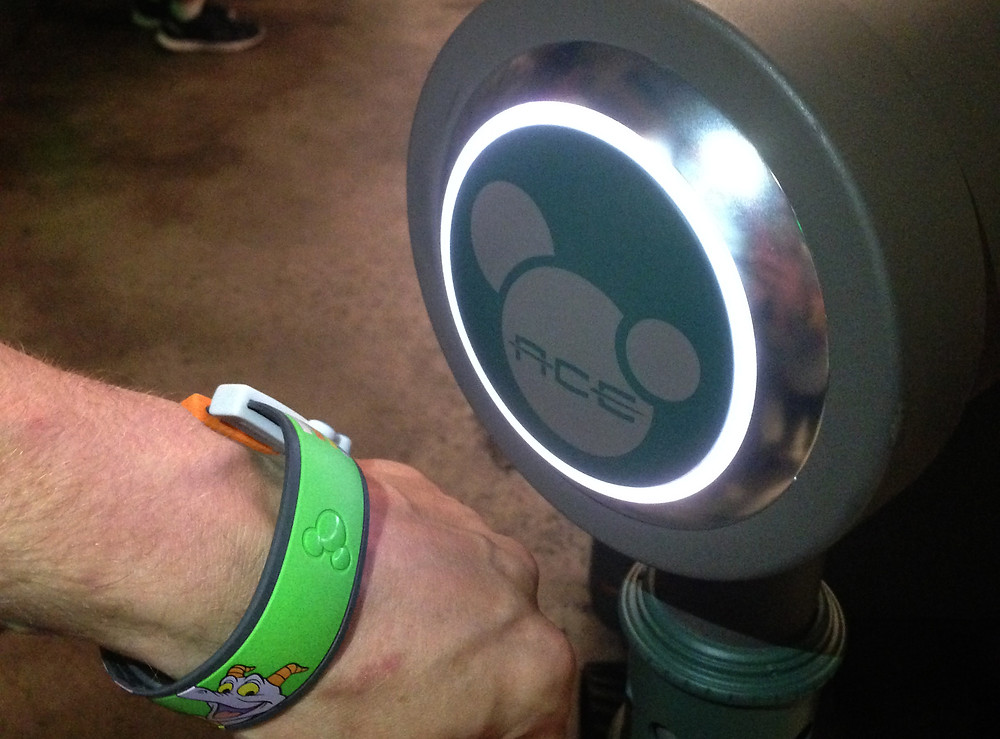 FastPass+ Touch Point