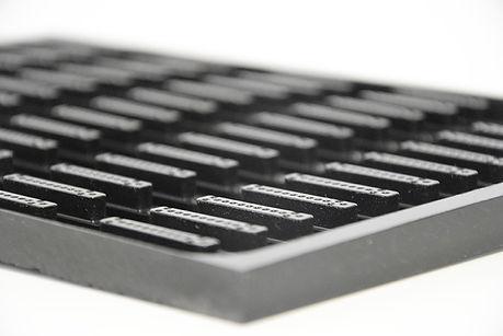 Componenti elettrici microfresati.JPG