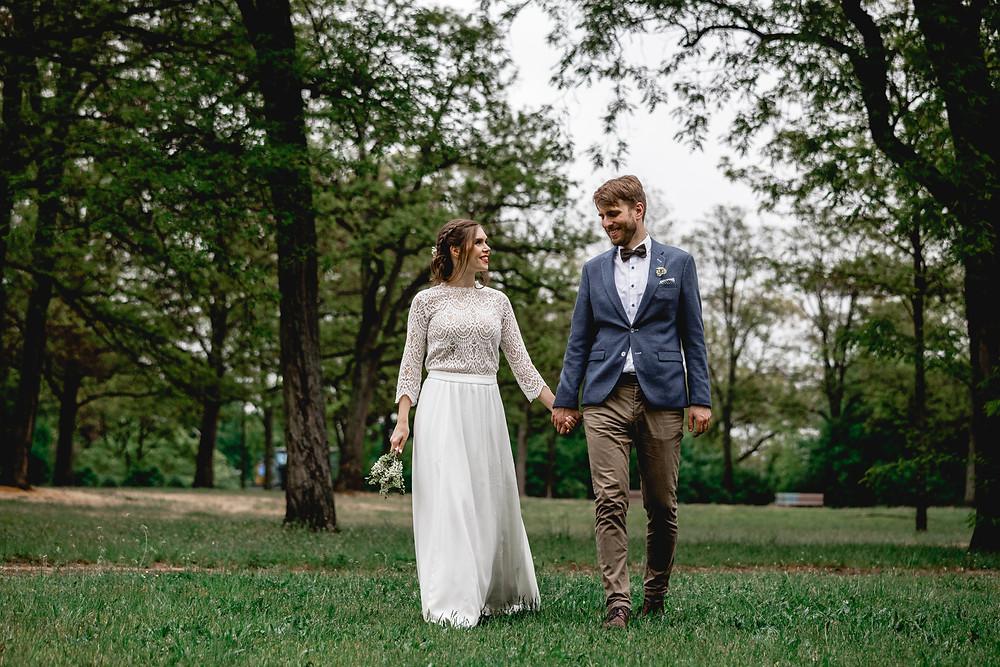 Brautpaar im Park Neukölln
