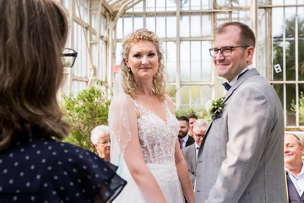 Brautpaar Standesamtliche Trauung im Botanischer Garten Berlin
