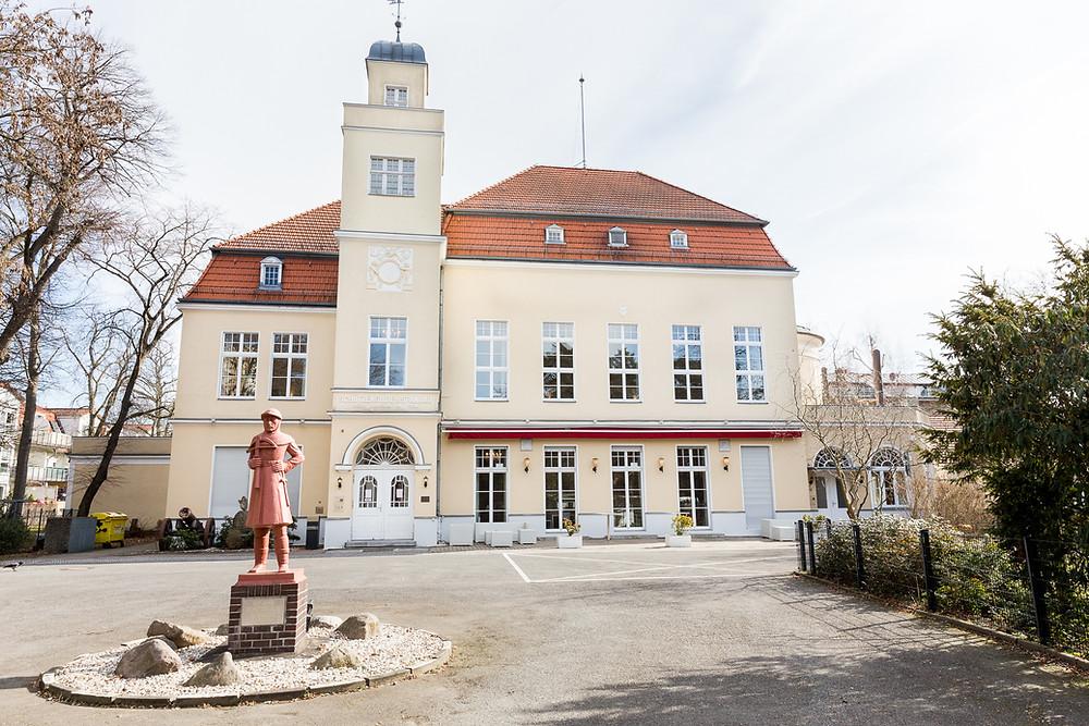 Fassade Hochzeitslocation Berlin Villa Schützenhof