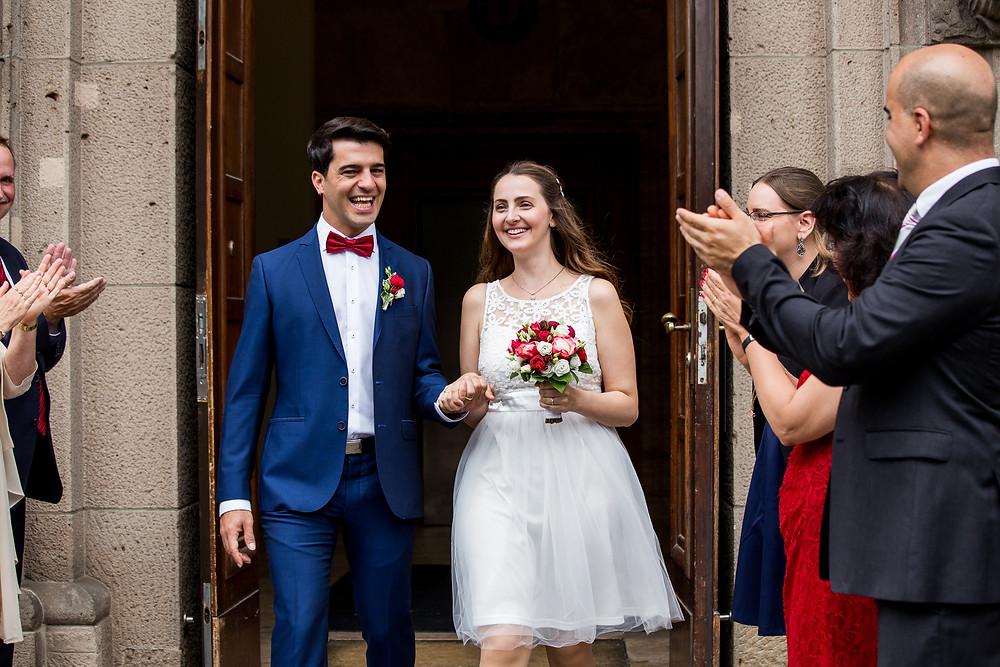 Trauung Standesamt Schöneberg Berlin Austritt Brautpaar