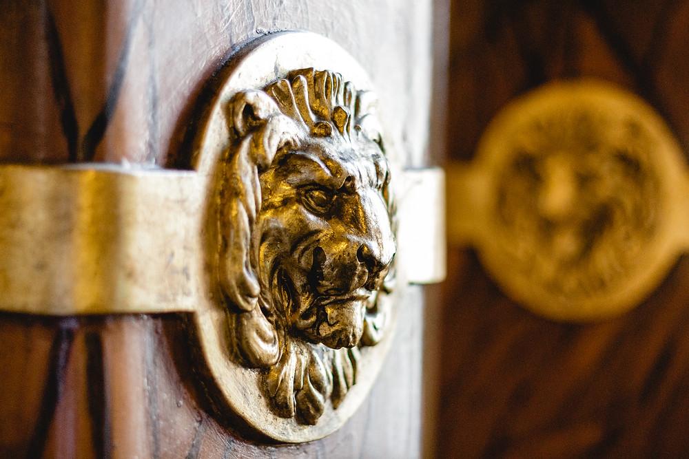 Goldene Ornamente Standesamt Pankow Berlin
