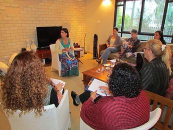 ערבי נשים בצפון, לימודי רוחניות,צמיחה אישית בצפון ,ללמוד תטא הילינג עם חגית קושטאי ,