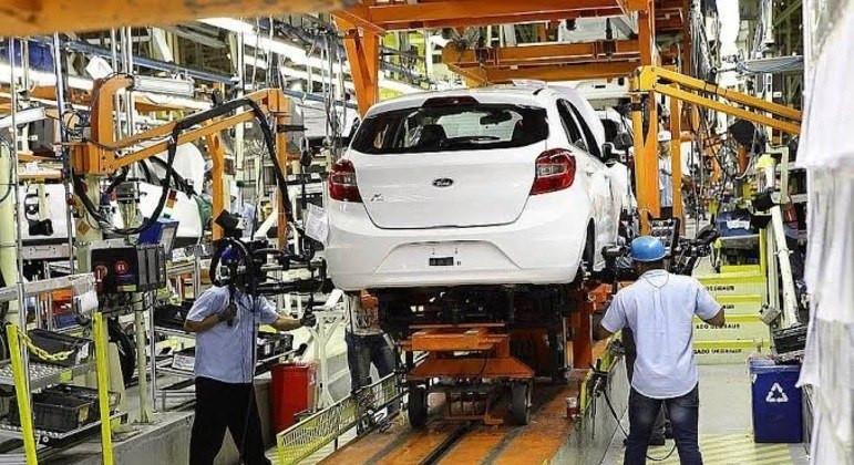 Ford anuncia fechamento de fábricas e fim da produção de veículos no Brasil . 5000 demissão